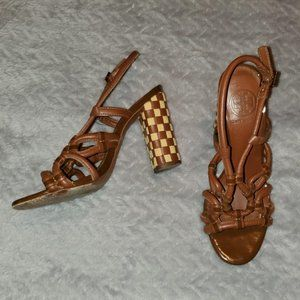 Beautiful Tory Burch Sandals! Size: 6